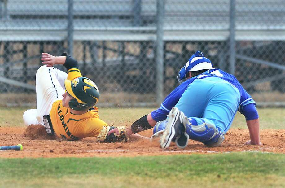 Ricky Villarreal scored one of the Palominos' two total runs on Tuesday as they were swept in a doubleheader at Coastal Bend losing 3-2 and 4-0. LCC falls to 4-2 this year. Photo: Cuate Santos /Laredo Morning Times File / Laredo Morning Times