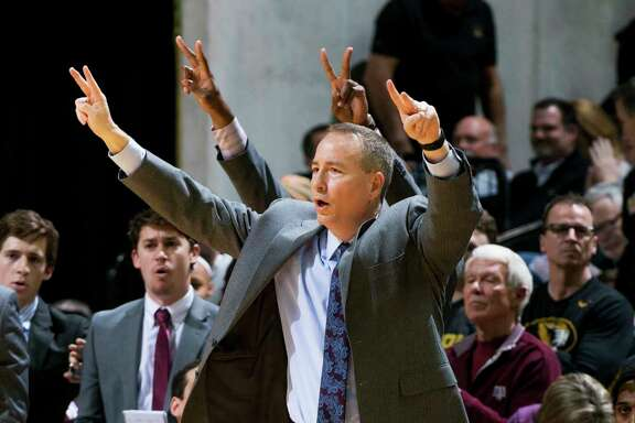 Texas A&M head coach Billy Kennedy calls a play during the second half of an NCAA college basketball game against Missouri Tuesday, Feb. 13, 2018, in Columbia, Mo. Missouri won the game 62-58. (AP Photo/L.G. Patterson)