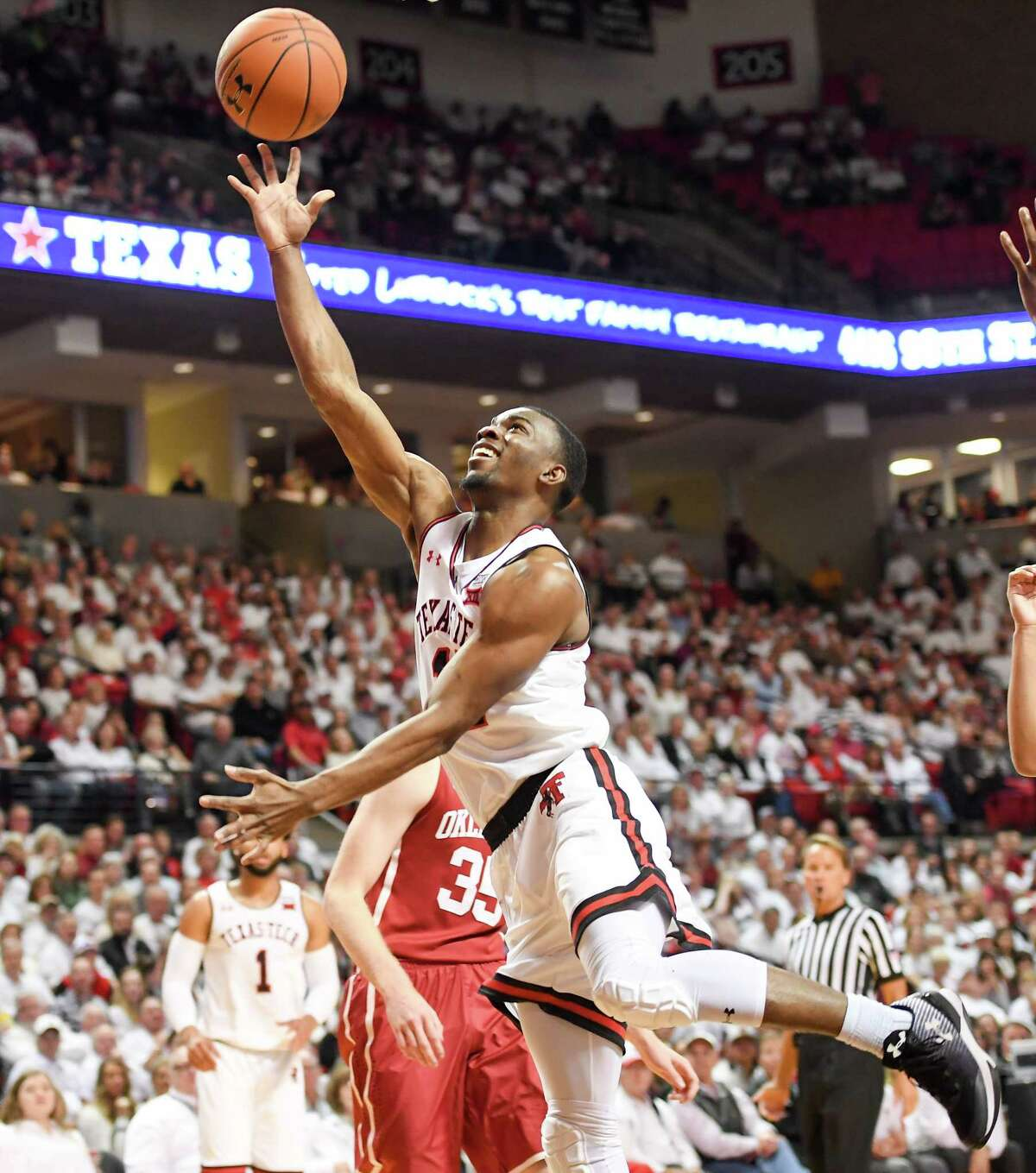 LUBBOCK, TX - FEBRUARY 13: Keenan Evans #12 of the Texas Tech Red Raiders shoots the ball during the first half of the game against the Oklahoma Sooners on February 13, 2018 at United Supermarket Arena in Lubbock, Texas. (Photo by John Weast/Getty Images)