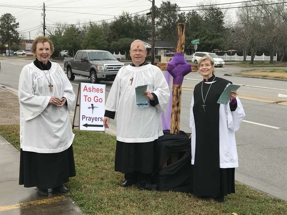 Houston's Good Shepherd Episcopal Church helped nearly 100 people in Friendswood celebrate the start of Lent in a Dairy Queen parking lot Wednesday morning. Photo: Amanda DeViney