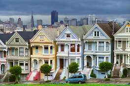 Row of seven Victorian houses in central San Francisco known as Painted Ladies.
