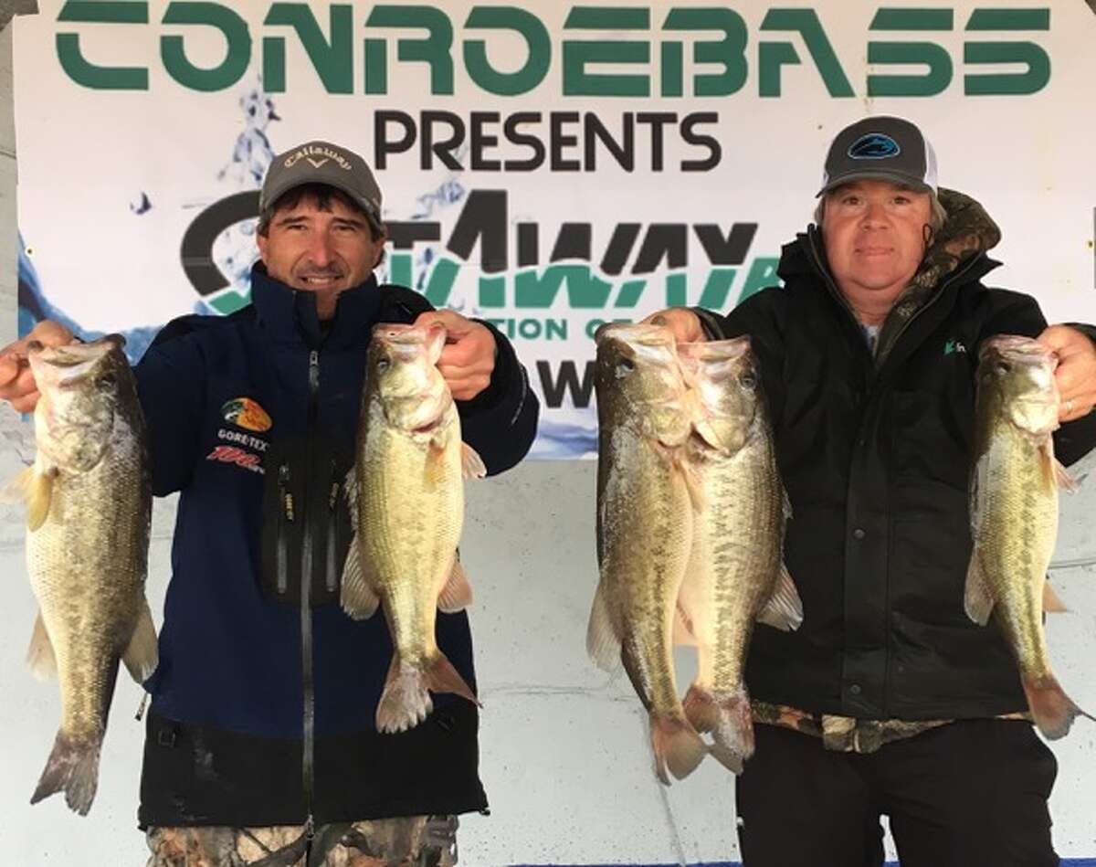 Robert Baney and Jamie Yancy came in third place CONROEBASS/CASTAWAY RODS Weekend Series with a stringer total weight of 20.37 pounds.