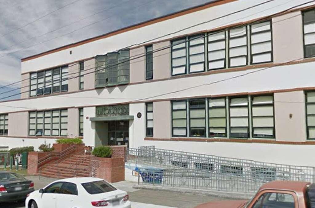 19. LAWTON ELEMENTARYStudents: 601 (K-8)Student-teacher ratio: