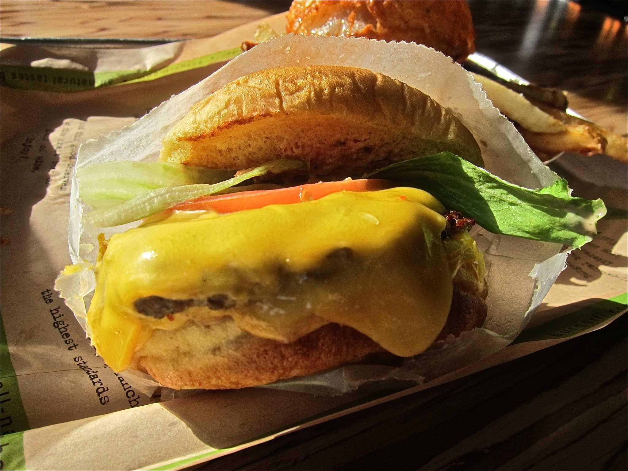 BurgerFi to reopen Monday in Alamo Heights - San Antonio Express-News