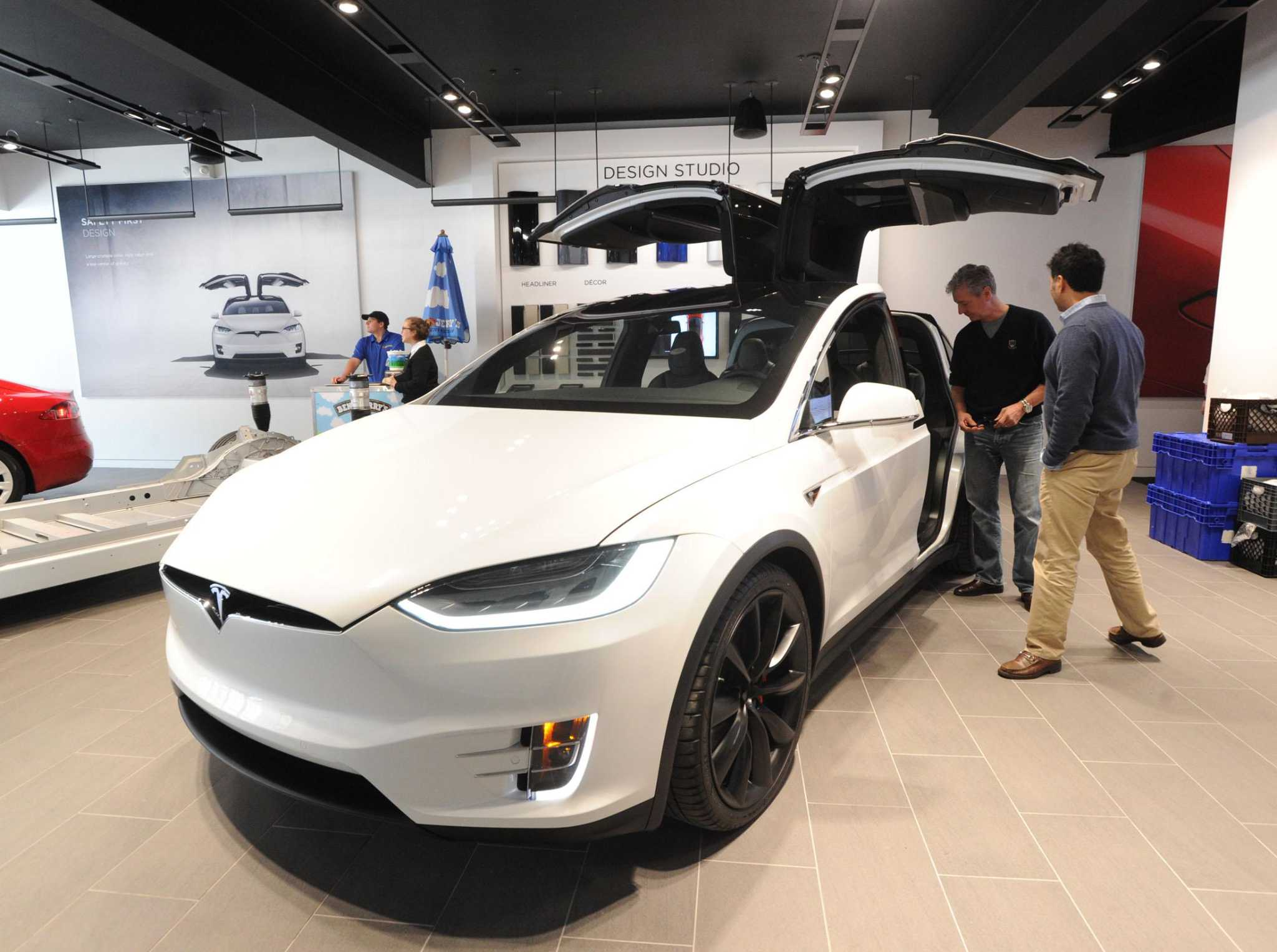 Car Dealerships In Ct >> Tesla Makes Plea To Sell Electric Cars In Connecticut Connecticut Post