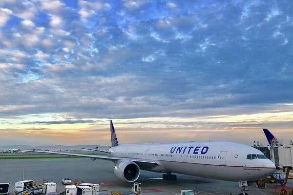 A new United B777-300ER at SFO