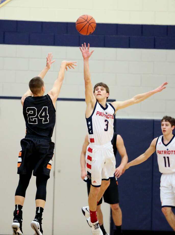 p.p1 {margin: 0.0px 0.0px 0.0px 0.0px; line-height: 10.8px; font: 10.0px Helvetica}