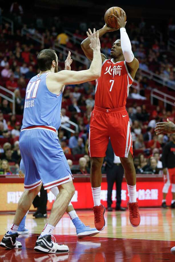 Joe Johnson, right, averaged 17.1 points and 5.1 rebounds in his full season with Mike D'Antoni in Phoenix. This season, Johnson averages 5.9 points and 2.1 rebounds. Photo: Michael Ciaglo, Houston Chronicle / Michael Ciaglo