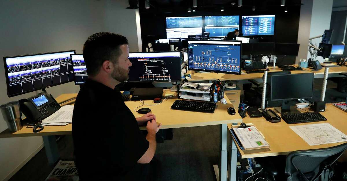 Lance Haacke, Manager of the Operations Control Center in the Operations Center at Pattern Energy, Thursday, Feb. 1, 2018, in Houston. ( Karen Warren / Houston Chronicle )