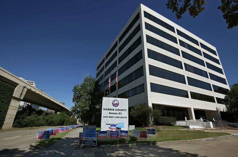 "The Harris County Public Health has confirmed a case of legionella after a Cypress woman fell ill with Legionnaires' disease. ""It's under investigation right now,"" said Martha Marquez, spokesperson for the public health department. Photo: Godofredo A. Vasquez, Houston Chronicle / Godofredo A. Vasquez"