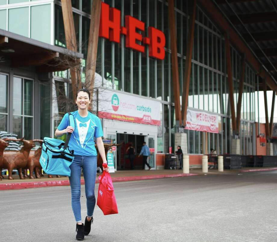 H-E-B has purchased Favor Delivery — a mobile app service that delivers orders from grocery stores and restaurants — for an undisclosed sum, the San Antonio company announced Thursday. Photo: H-E-B