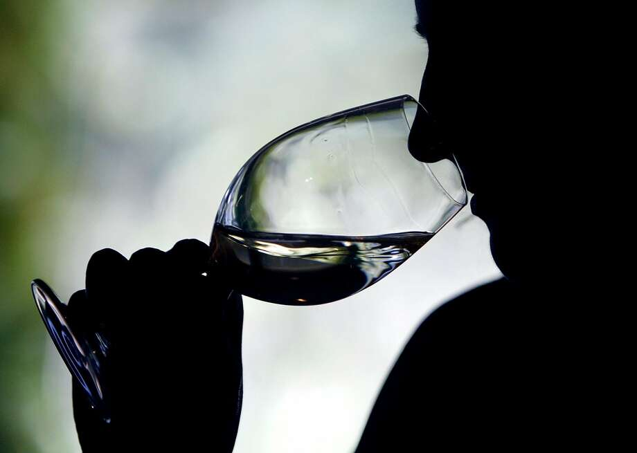 (Photo by Justin Sullivan/Getty Images) DRINKING Photo: Justin Sullivan, Getty Images