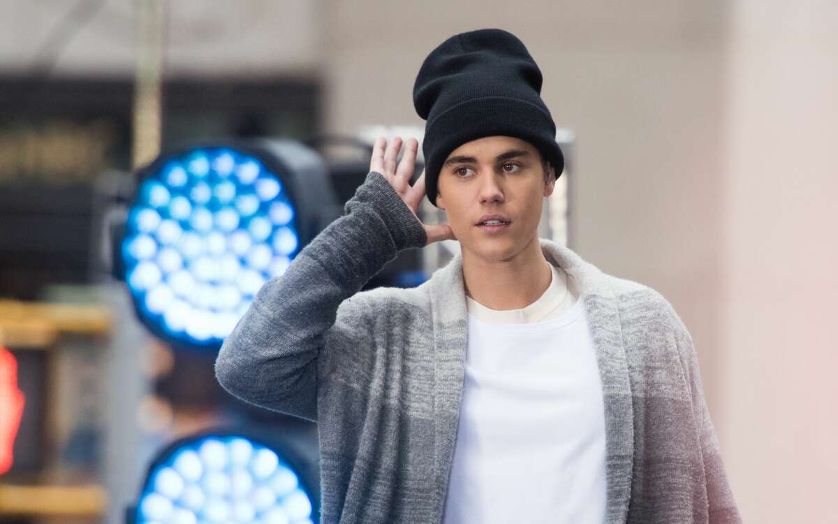 Justin Bieber Birthday: March 1, 1994