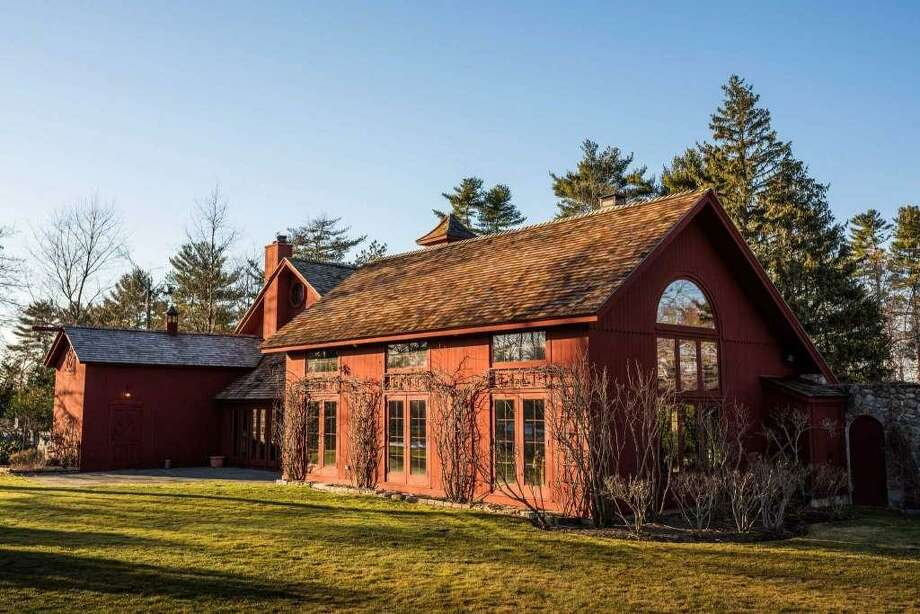 Renovations Make An Old Barn Into A Modern Home In Greenwich