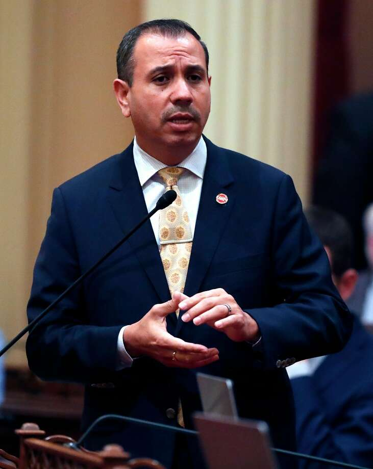 Sen. Tony Mendoza once roomed with Sen ate chief Kevin de León. Photo: Scott Strazzante, The Chronicle