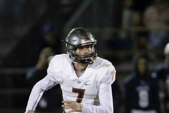 St. Pius X quarterback Grant Gunnell (7) backed off of his verbal pledge to A&M after the Aggies signed James Foster.
