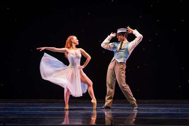 "Smuin dancers Erin Yarbrough-Powell and Robert Kretz in Michael Smuin's Sinatra tribute, ""Fly Me to the Moon,"" presented as part of Smuin's ""Dance Series 01.""   Photo: Keith Sutter"