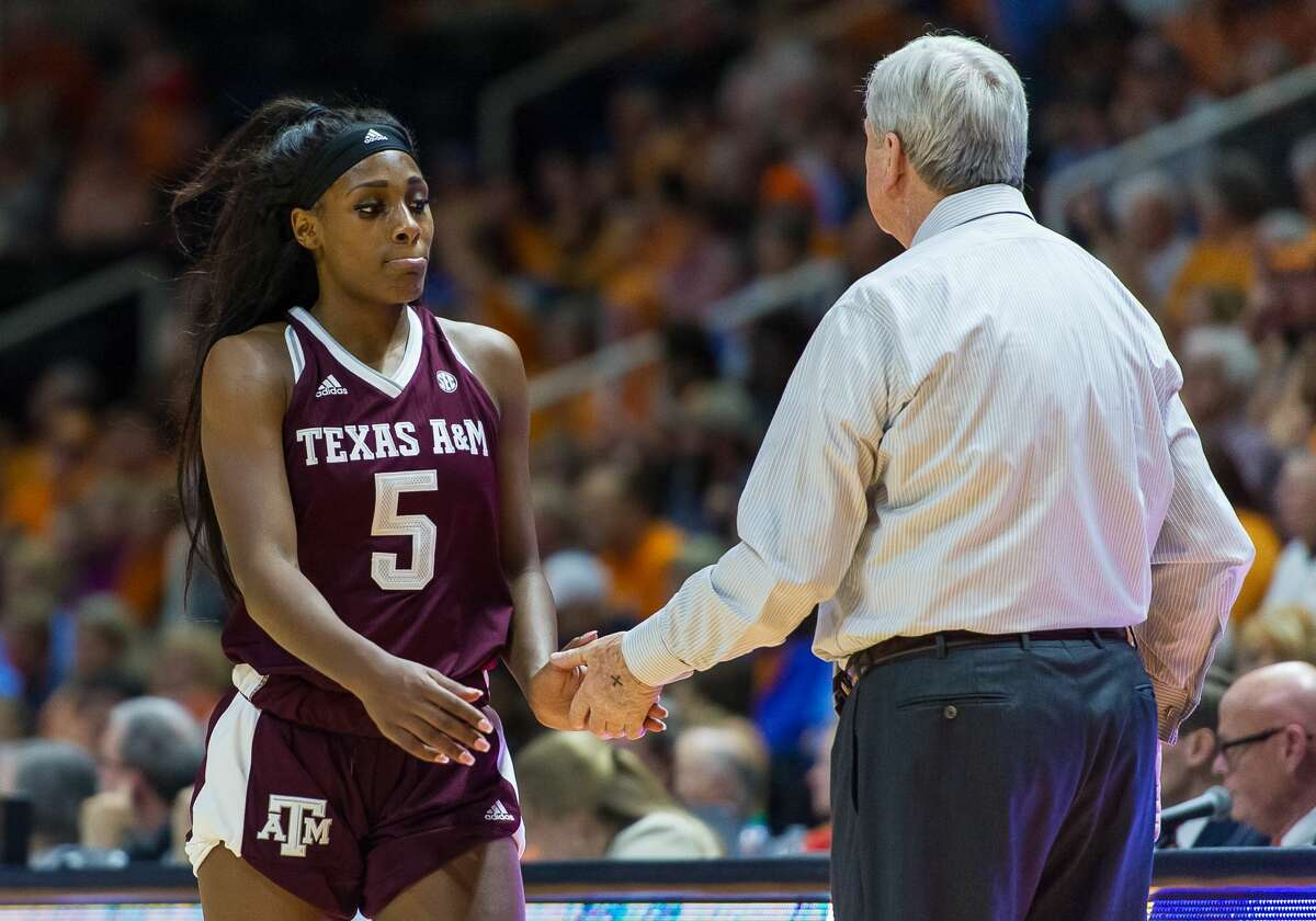 KKNOXVILLE, TN - FEBRUARY 01: Texas A&M Aggies head coach Gary Blair greets forward Anriel Howard (5) as she walks off the court after fouling out during a game between the Texas A&M Aggies and Tennessee Lady Volunteers on February 1, 2018, at Thompson-Boling Arena in Knoxville, TN. Tennessee defeated the Texas A&M Aggies 82-67. (Photo by Bryan Lynn/Icon Sportswire via Getty Images)
