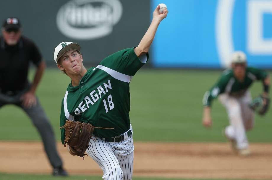 Reagan's Cal Carver pitches against Deer Park during a Class 6A UIL state championship at Dell Diamond in Round Rock, Saturday, June 10, 2017. (Stephen Spillman) Photo: Stephen Spillman