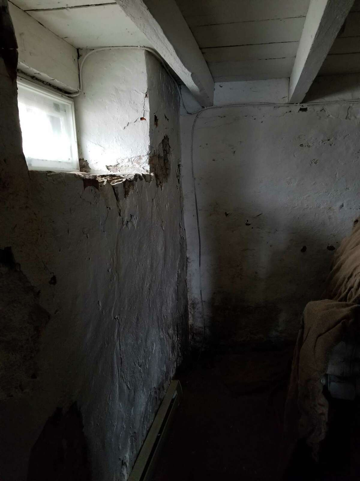 Dinah Jackson's basement room at Cherry Hill (photo courtesy Deborah Emmons-Andarawis / Historic Cherry Hill)