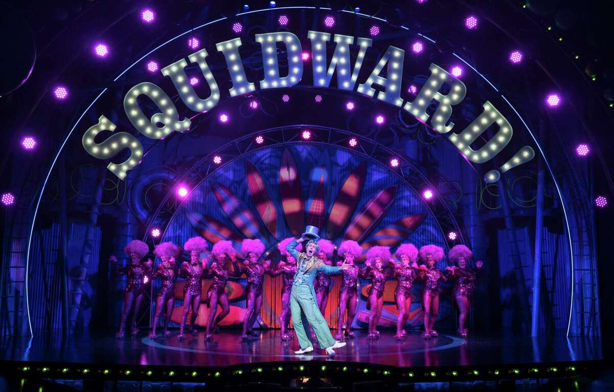"""FILE -- Gavin Lee as Squidward in the musical """"SpongeBob SquarePants"""" at the Palace Theater in New York, Nov. 4, 2017. This spinoff of the Nickelodeon cartoon is in previews for a Dec. 4 opening. (Sara Krulwich/The New York Times)"""