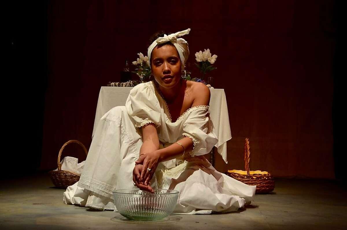 Dezi Sol�y as Marie Laveau in