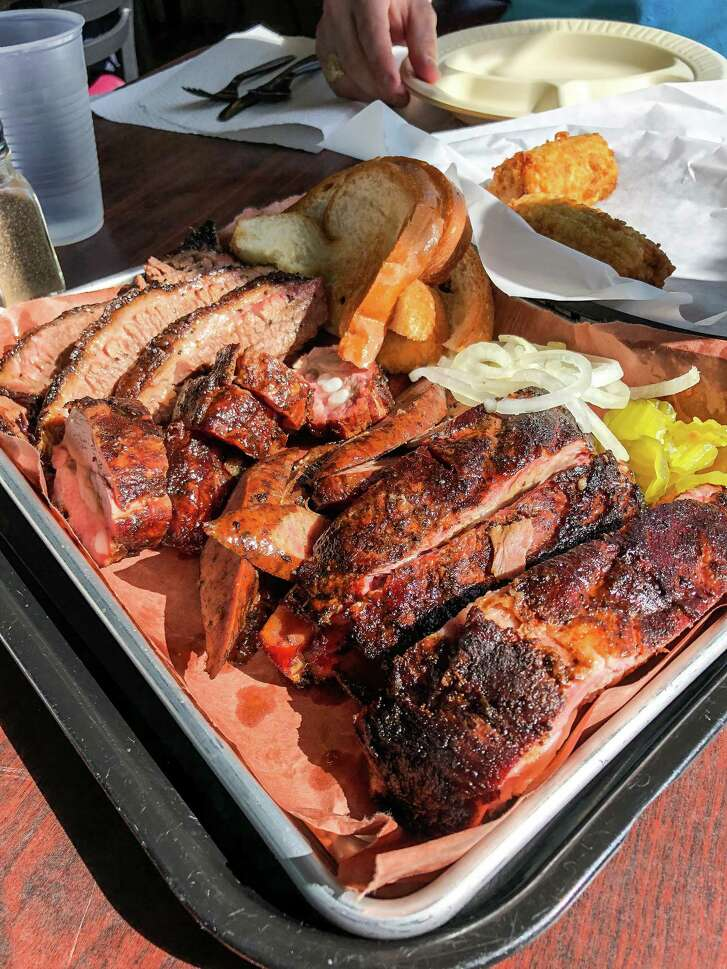 Ray's BBQ Shack serves East Texas-style pork spareribs, front to back, Lott's links sausage, rib tips and Central Texas-style brisket.