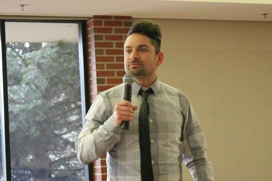 Guest speaker Dante Pinterpe presents 'The Unlikely Heroes of the American Revolution from Bookseller to Mother of Eight' during The John Alden Chapter, NSDAR meeting in February. (Photo provided)