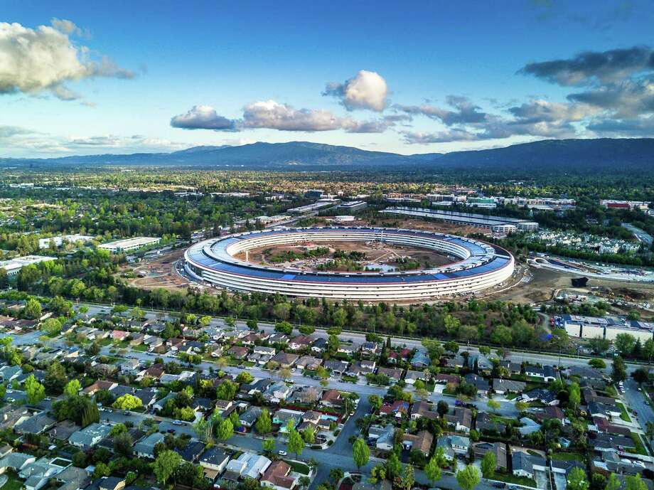 Cupertino CA USA April 13, 2017: Aerial photo of Apple new campus building Photo: SpVVK / Getty Images / This content is subject to copyright.
