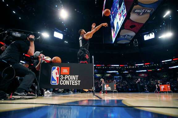 Not only does Eric Gordon display the winning form in the NBA 3-point contest during last year's All-Star Weekend, but it's also the shooting form taught to the Rockets guard as a child by his father.