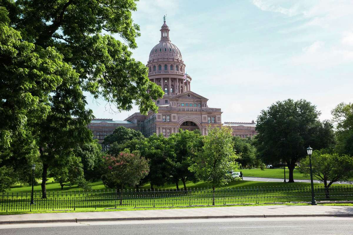 The Texas State Capitol building stands in Austin. (Photographer: David Williams/Bloomberg)
