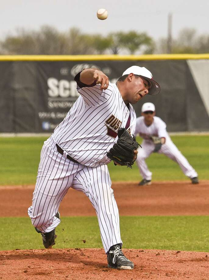 TAMIU pitcher Eleazar Rojas (1-1, 1.04 ERA) and the Dustdevils head to Rogers State this week as a battle of teams at 1-3 in Heartland Conference play square off. Photo: Danny Zaragoza /Laredo Morning Times File / Laredo Morning Times