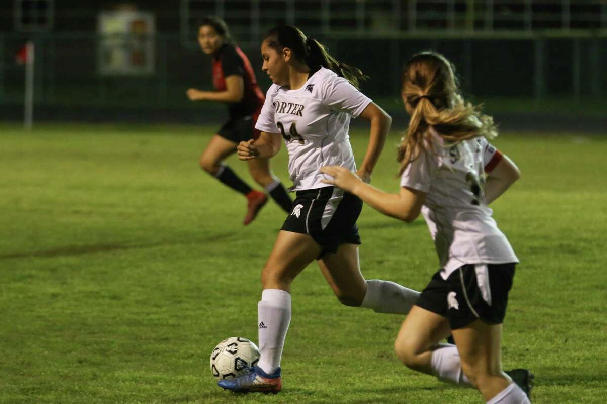 Porter?'s Esmeralda Salas (24) drives downfield during the girls soccer game against Caney Creek on Friday, Feb. 16, 2018, at Porter High School. (Michael Minasi / Houston Chronicle)