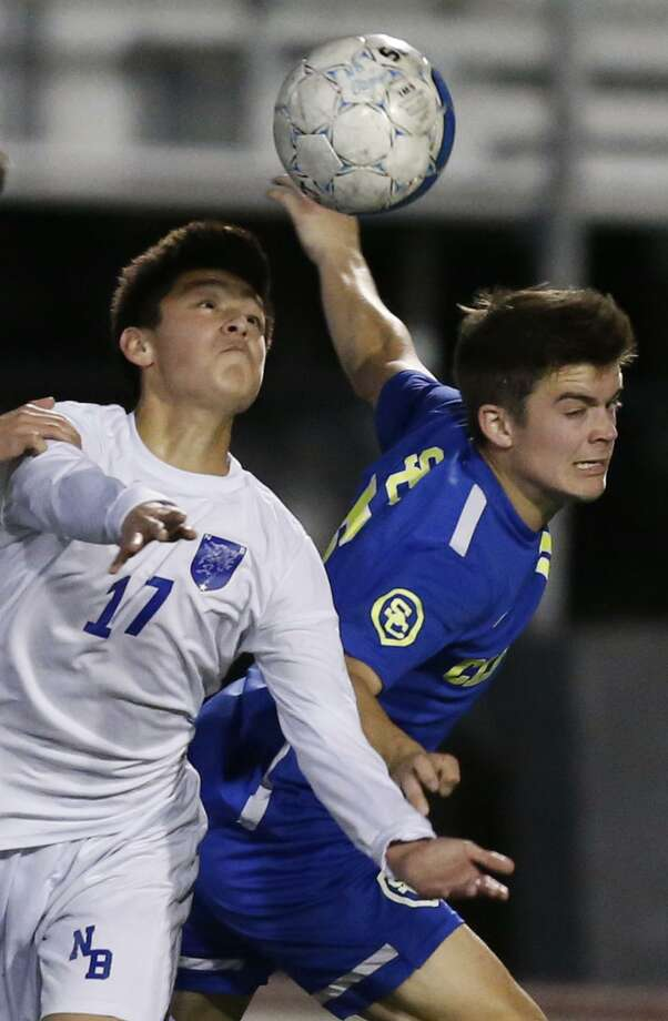 New Braunfels' Dylan Navarijo (left), shown here during a 2018 game, scored a goal during the Unicorns' 4-0 win vs. East Central. Photo: Edward A. Ornelas, Staff / San Antonio Express-News / © 2018 San Antonio Express-News