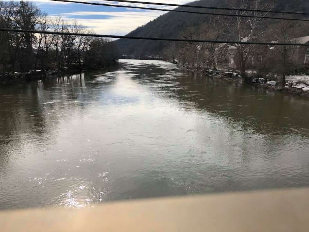 An ice jam that formed along the Housatonic River in Kent last month has fully broken up and melted, officials said Saturday.