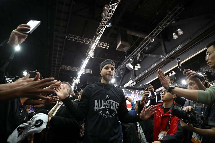 Golden State Warriors' Stephen Curry leaves the court after NBA All Star practice at LA Convention Center in Los Angeles, Calif., on Saturday, February 17, 2018.
