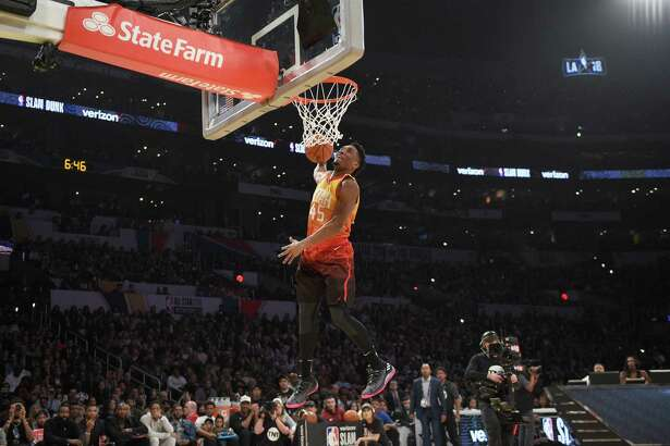 LOS ANGELES, CA - FEBRUARY 17:  Donovan Mitchell #45 of the Utah Jazz competes in the 2018 Verizon Slam Dunk Contest at Staples Center on February 17, 2018 in Los Angeles, California.