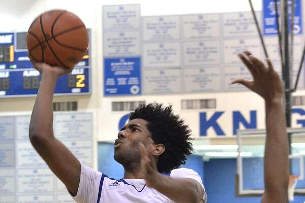 Senior D'Andre Griffin added 11 points for the Knights (25-14, 6-0 TAPPS District 6-5A) in the season-ending loss.