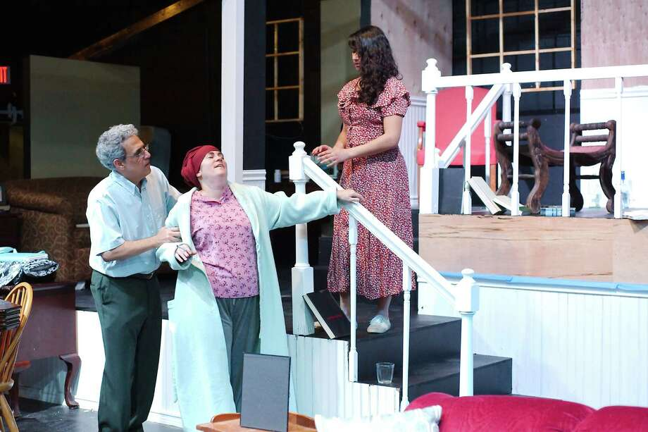 """Steven Villano, left, Juliet Weigand and Ann Marie Tapia rehearse a scene from """"August: Osage County"""" at San Jacinto College Central. The play is about a troubled family in crisis after its patriarch disappears. Photo: Kirk Sides / © 2018 Kirk Sides / Houston Chronicle"""