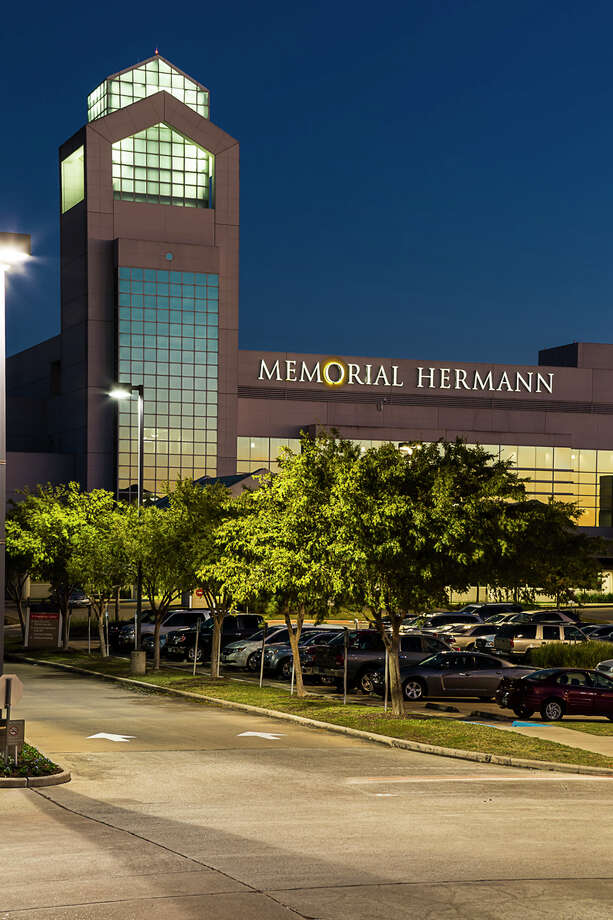 Memorial Hermann Southeast Hospital has launched a cardiac surgery program, expanded cancer treatment services, renovated its facilities and augmented its team of specialists. Photo: James LaCombe, Photographer / 2014 James LaCombe
