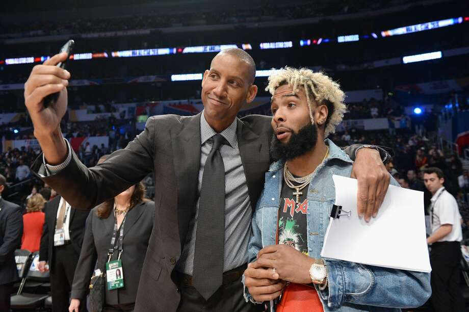 TNT's Reggie Miller snaps a selfie with Giants receiver Odell Beckham Jr. at this year's NBA All-Star Game in Los Angeles. Social media is one element that's changed how NBA analysts do their job compared to their predecessors, Miller said. Photo: Kevork Djansezian/Getty Images