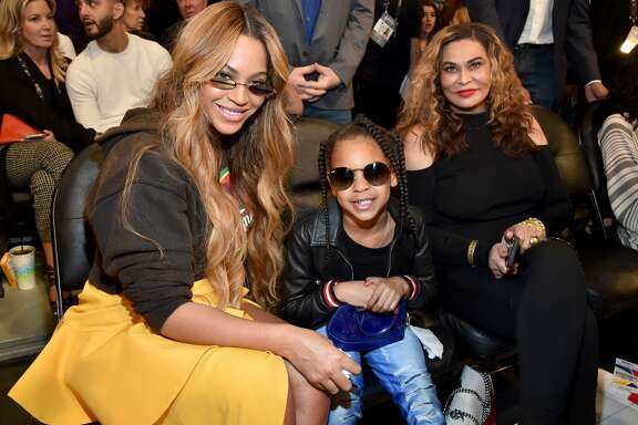 LOS ANGELES, CA - FEBRUARY 18:  (L-R) Beyonce, Blue Ivy Carter, and Tina Knowles attend the 67th NBA All-Star Game: Team LeBron Vs. Team Stephen at Staples Center on February 18, 2018 in Los Angeles, California.  (Photo by Kevin Mazur/WireImage)