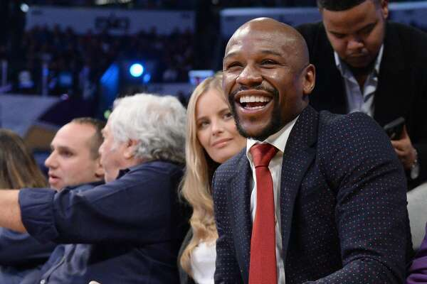 LOS ANGELES, CA - FEBRUARY 18:  Floyd Mayweather attends the NBA All-Star Game 2018 at Staples Center on February 18, 2018 in Los Angeles, California.  (Photo by Kevork Djansezian/Getty Images)