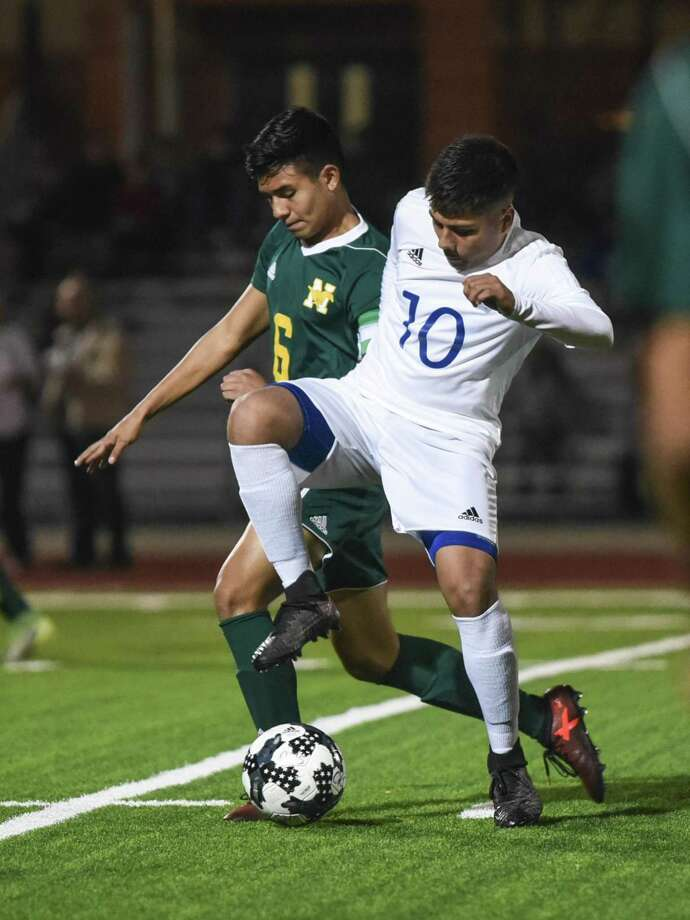 Martin (8-5, 5-4 District 31-5A) continues to separate itself from its LISD foes in the opening week of second round with a 2-0 start. Cigarroa (8-11, 2-7) and Nixon (5-10, 2-7) are on a five and four-game losing streak, respectively. Photo: Danny Zaragoza /Laredo Morning Times File