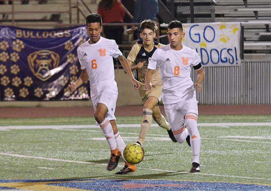 United opens the playoffs with a 7 p.m. game Wednesday at McAllen Memorial. The Longhorns closed out the regular season with a 1-1 tie against Alexander. Photo: Cuate Santos /Laredo Morning Times File / Laredo Morning Times