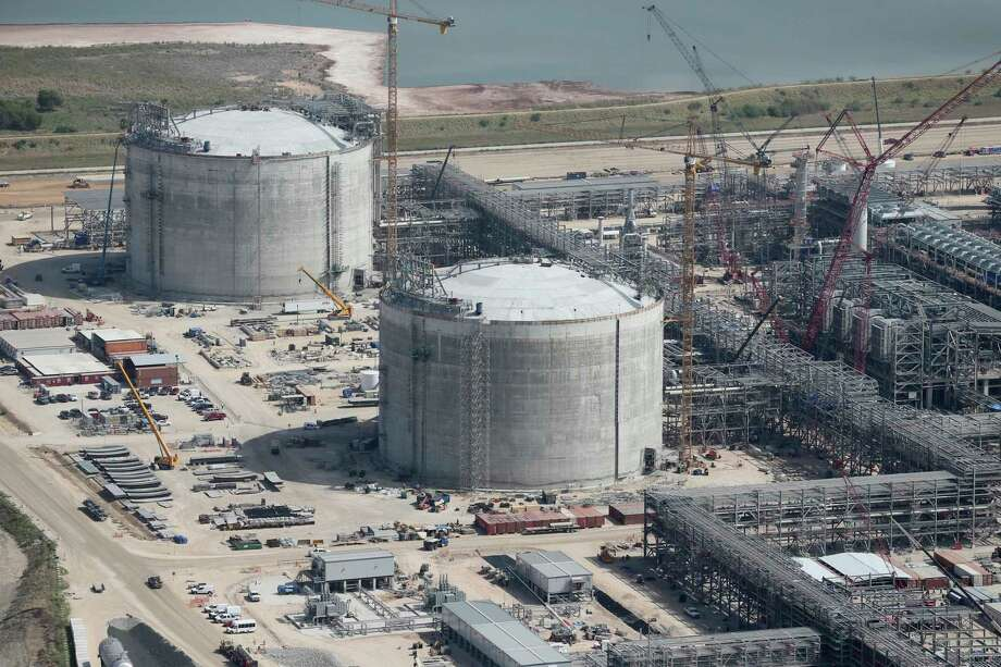 Construction at the Cheniere Liquid Natural Gas plant is almost completed in Portland. The company has made a deal to to ship 1.2 million tons of LNG a year to China. Photo: JERRY LARA / San Antonio Express-News