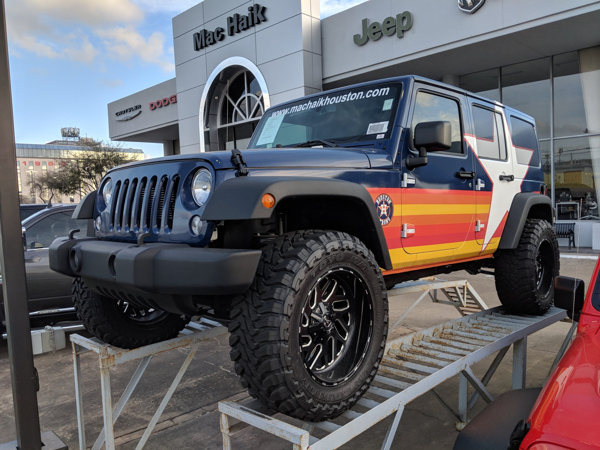There is a custom Houston Astros Jeep at a Houston dealership that fans will love
