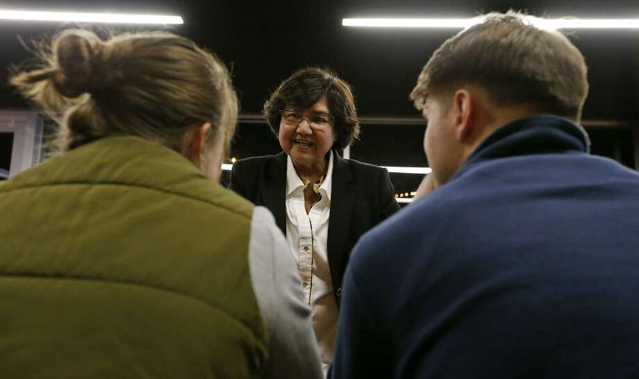 Texas Democratic gubernatorial candidate and former Dallas County Sheriff Lupe Valdez met had a meet-and-greet held in January at Alamo Beer. Photo: Edward A. Ornelas /San Antonio Express-News / © 2018 San Antonio Express-News