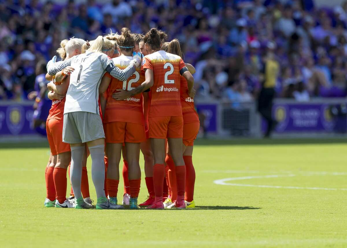 ORLANDO, FL - JUNE 24: Houston Dash starting 11 during the NWSL soccer match between the Orlando Pride and the Houston Dashon June 24, 2017 at Orland City Stadium in Orlando, FL. (Photo by Andrew Bershaw/Icon Sportswire via Getty Images)