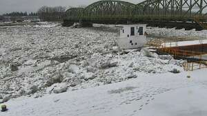 Mondays on the Mohawk | Jan. 22, 2018    A U.S. Geological Survey camera is trained on the Mohawk River at  Lock 8  in Schenectady.      Click through the slideshow to see what this portion of the Mohawk River looked like at noon the past few Mondays this winter.